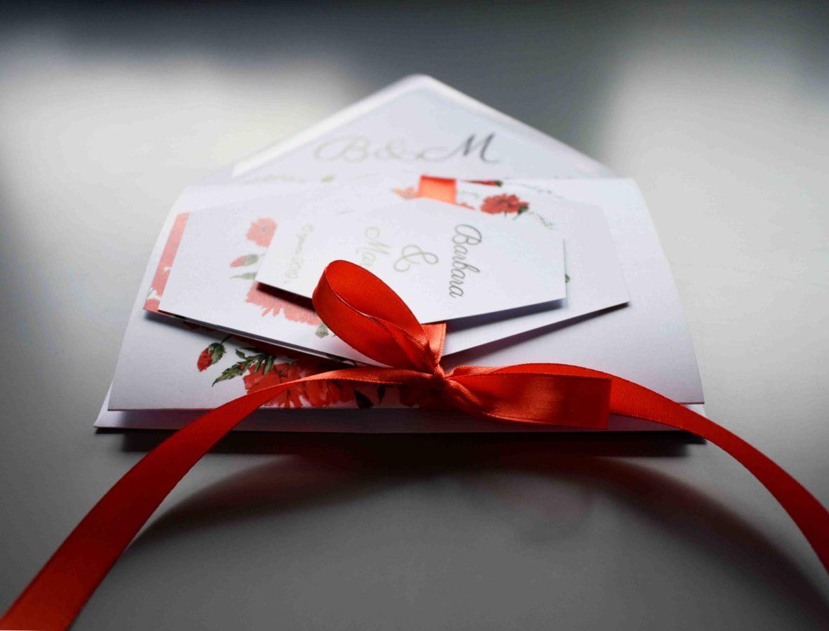Zaproszenie ślubne w czerwieni