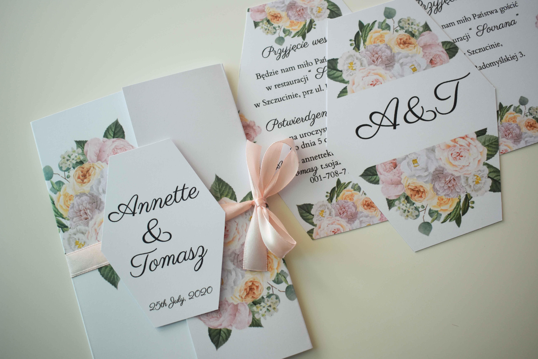 Zaproszenie na ślub w jasnej tonacji