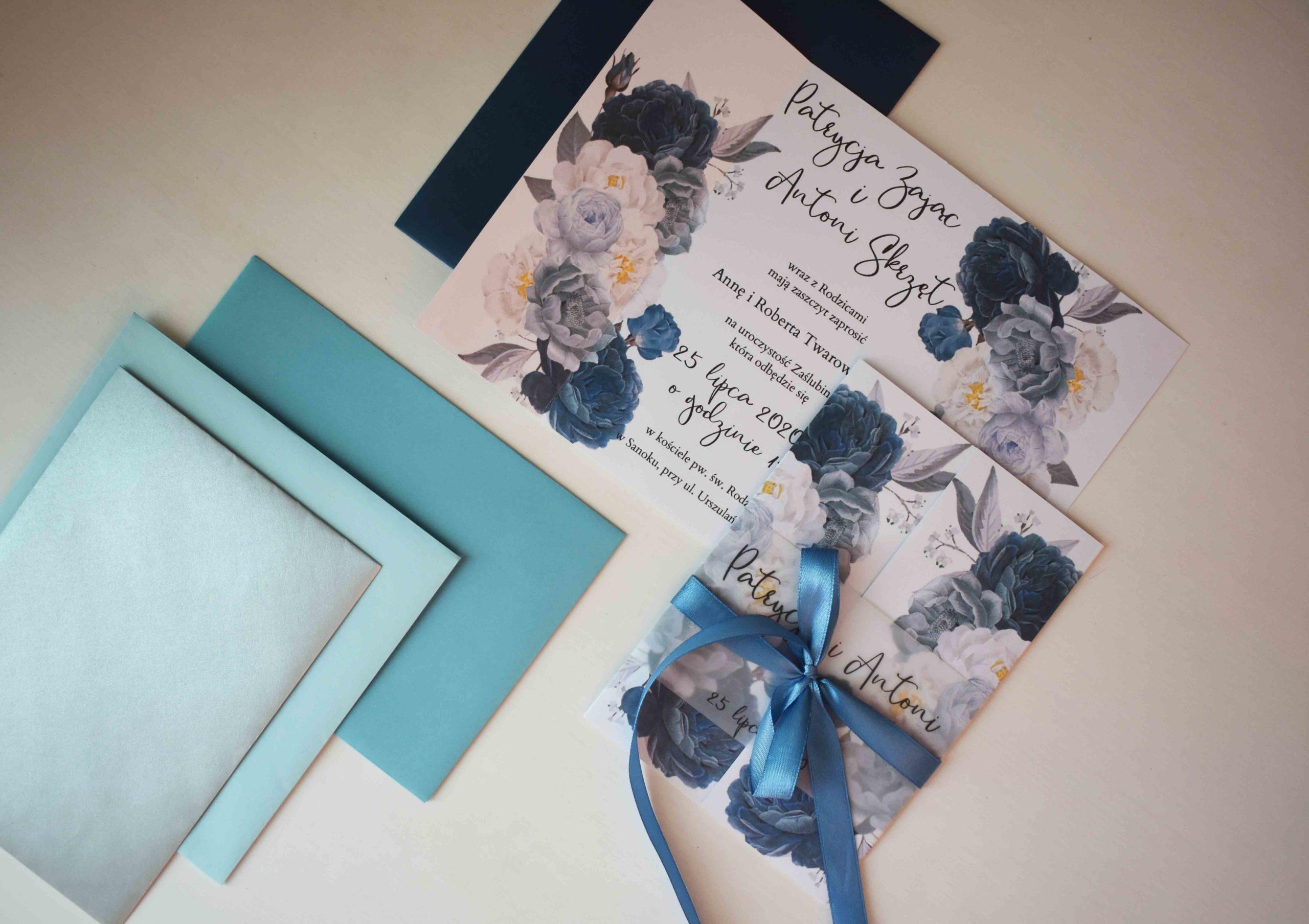 Niebieskie kwiaty na ślub